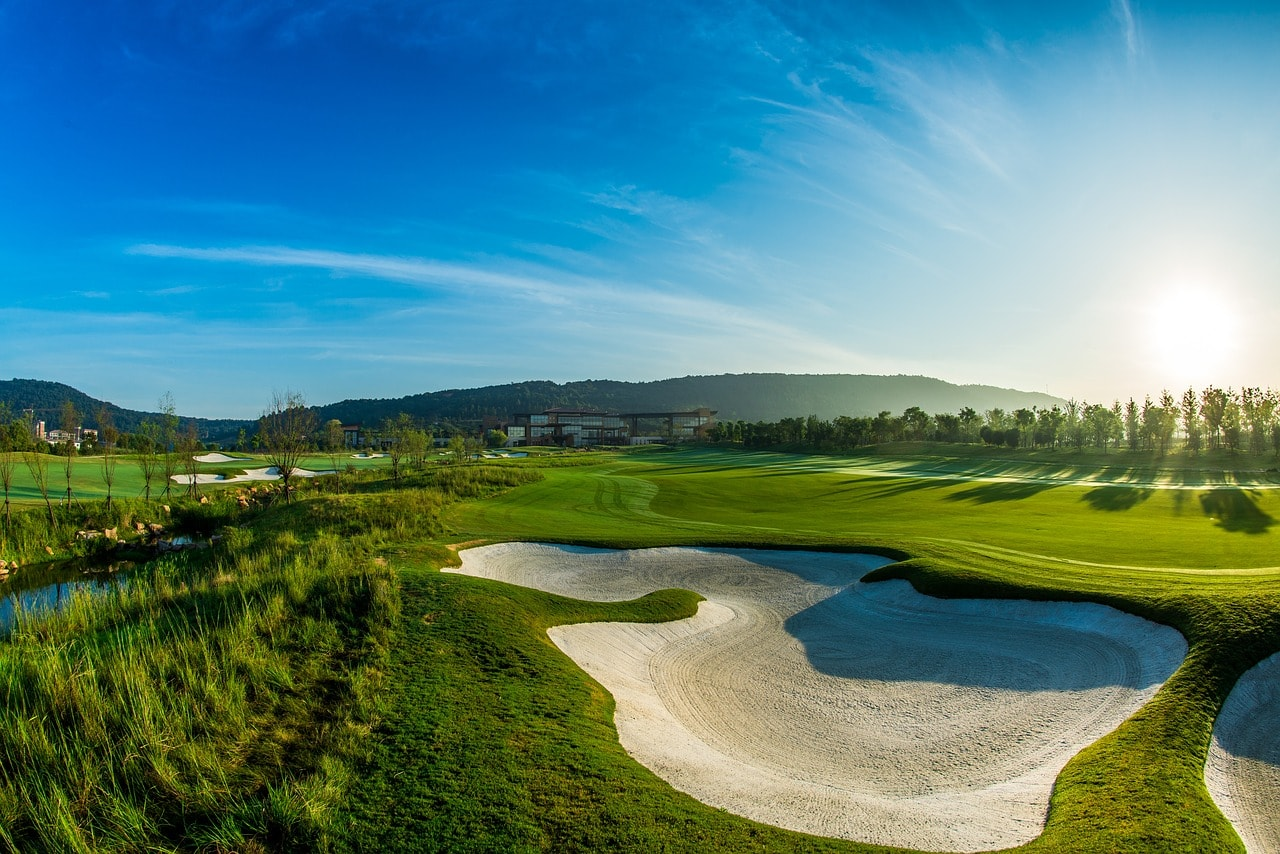 green, golf, blue sky-2480256.jpg