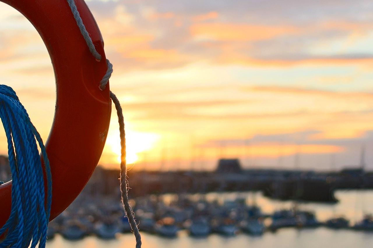 life belt, rescue, beach-498453.jpg