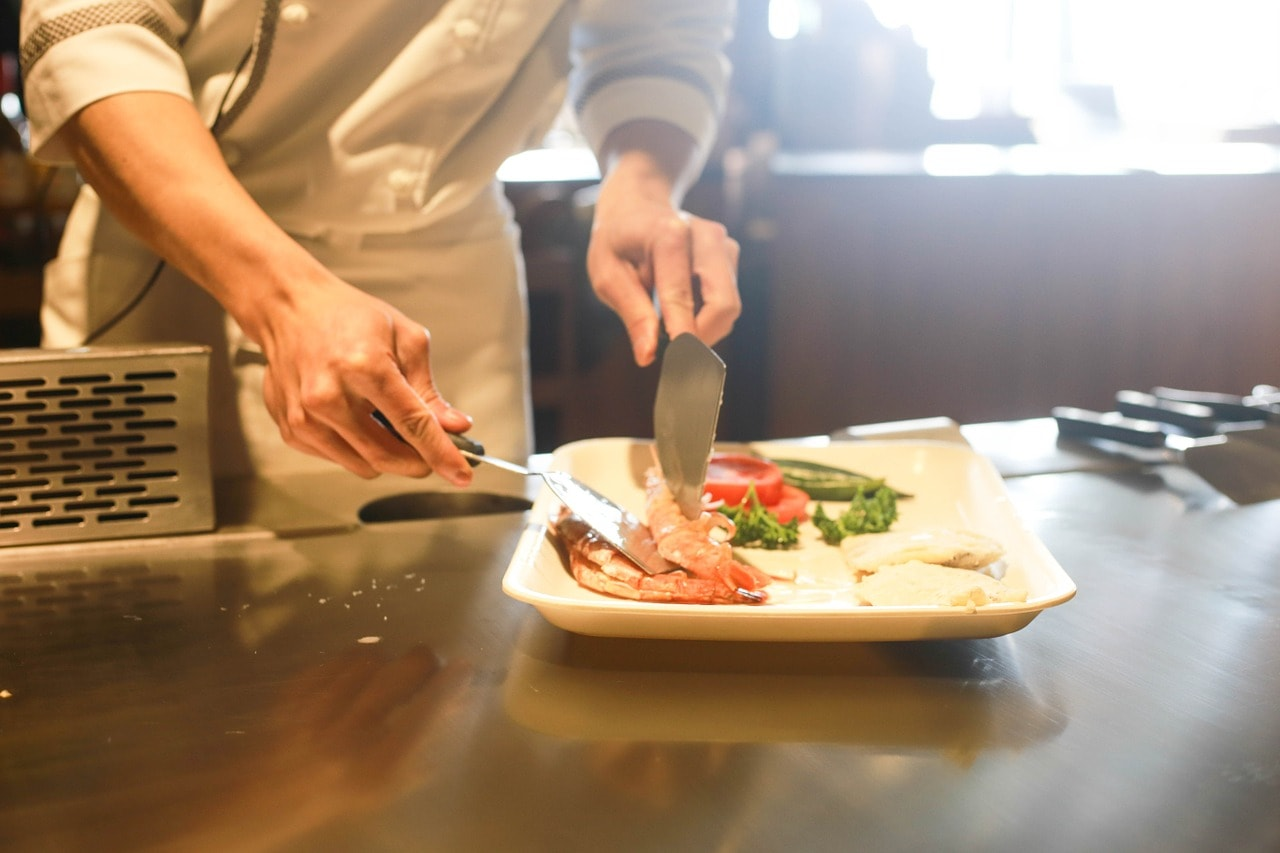 restaurant, cooking, chef-1284351.jpg