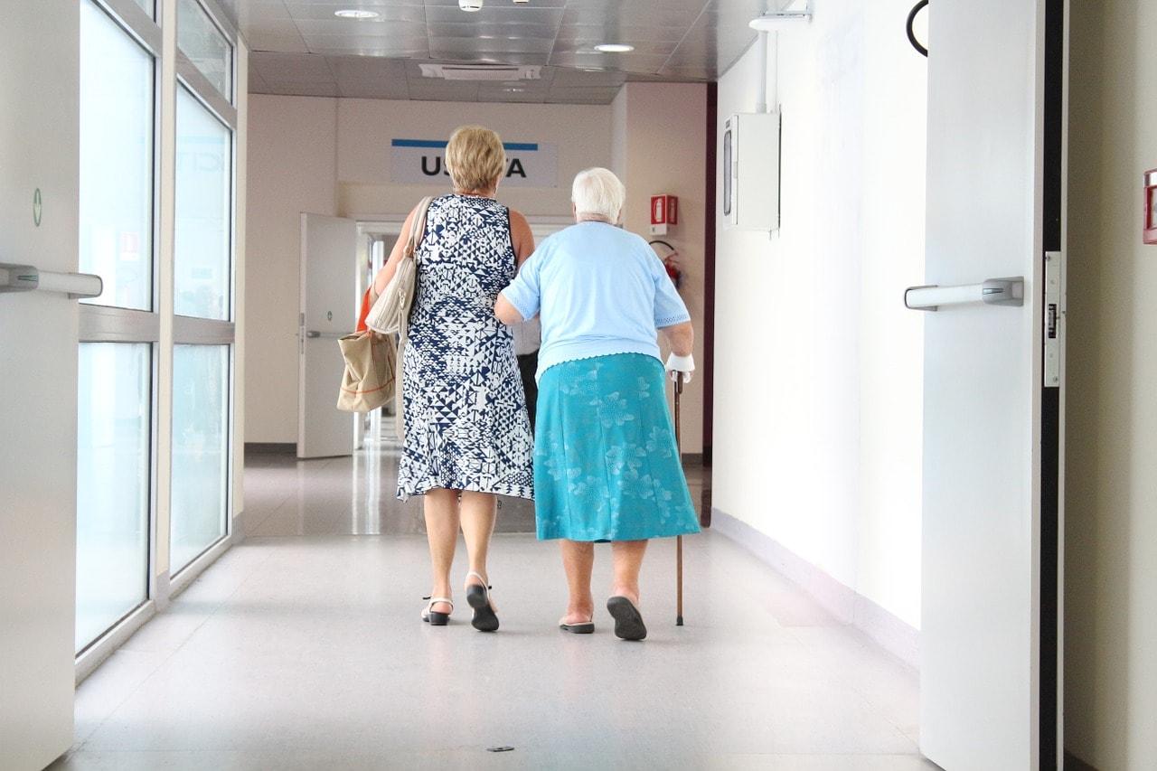 senior citizens, aisle, doctor-1461424.jpg
